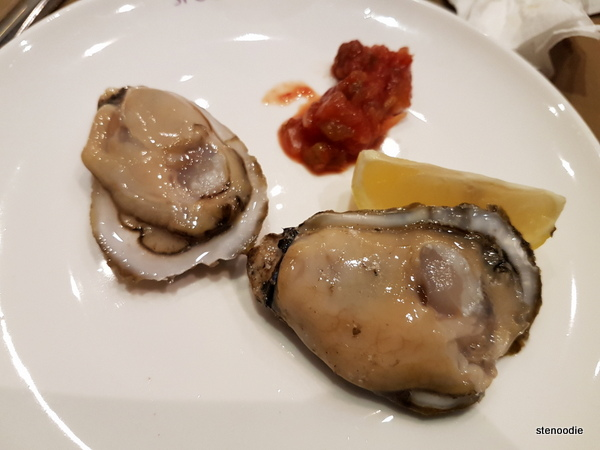 Spoonful buffet raw oysters