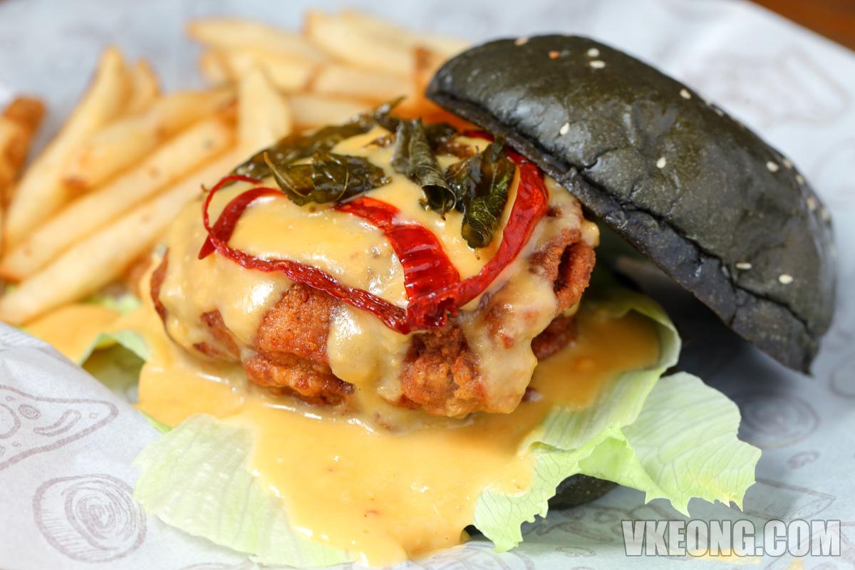 Golden-Goodness-Chicken-Burger