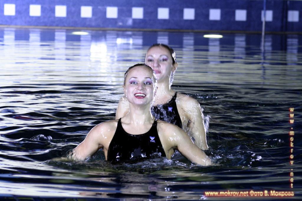 Сборная команда России по синхронному плаванию с фотокамерой прогулки туристов