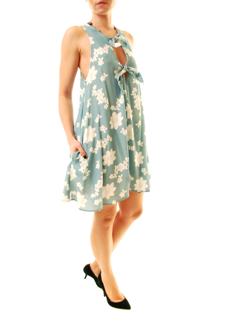 f21bde7d8965 Finished with side seam pockets and fully lined. Measurements  approximately: chest - 44cm (17,32''); full length (without straps) - 84cm  (33,07'').