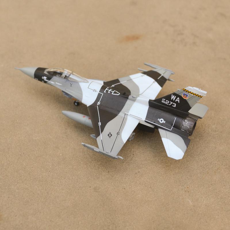 F-16 02