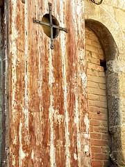 Chiusure...  #Arezzo #legnoantico  #legno #porta #ancientdoor #door #mattoni #brics