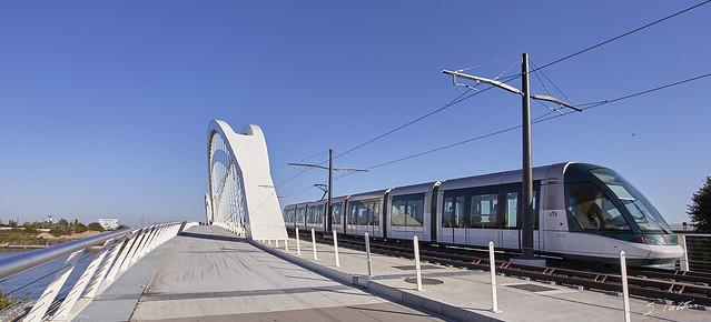Le tram de Strasbourg passe la frontière sur le Rhin