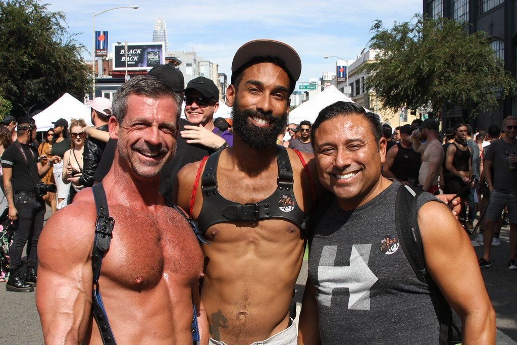 HUNKY & HANDSOME FRIENDS ! FOLSOM STREET FAIR 2017 ! ( safe photo )