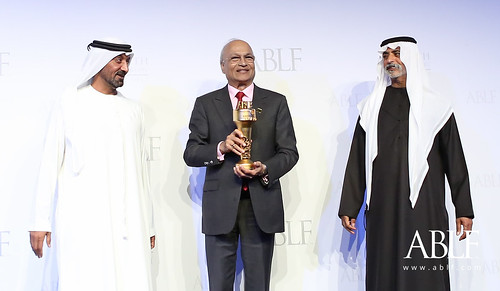 Nirmal Sethia, Chairman, N. Sethia Group, UK, receiving the ABLF Trailblazer Award from H.H. Sheikh Nahayan Mabarak Al Nahayan, Cabinet Member and Minister of Tolerance, UAE