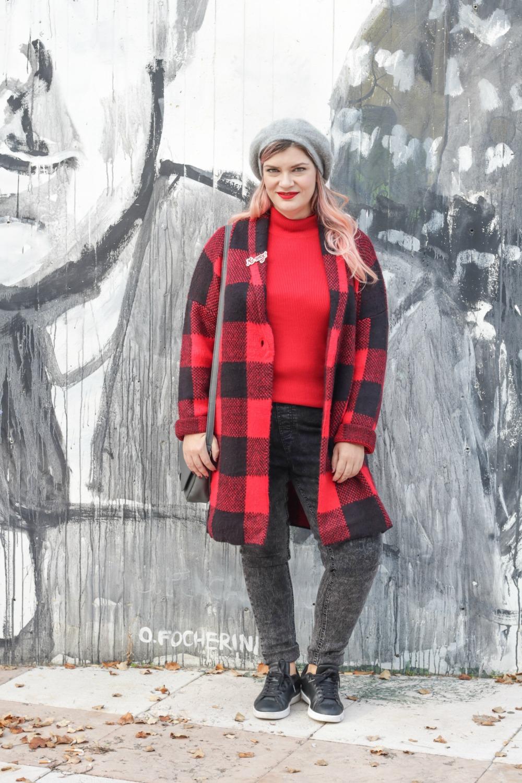 Outfit plus Kik, scozzese rosso e grigio (6)