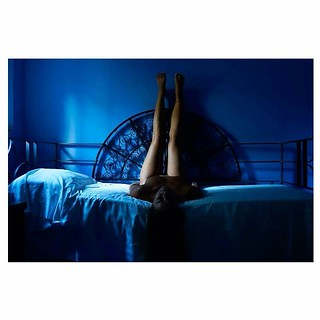 Room 1A #travelers #travel #happy #naked #blue #bed #bedroom #girl #instamood #instaitaly #italy #sicily #giardini #light #nude #female #country