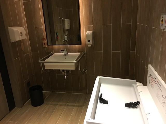 身心障礙廁所,有基本的尿布台等設施@宜蘭礁溪寒沐酒店