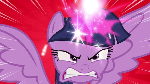 Twilight_angry_while_using_her_magic_S4E26