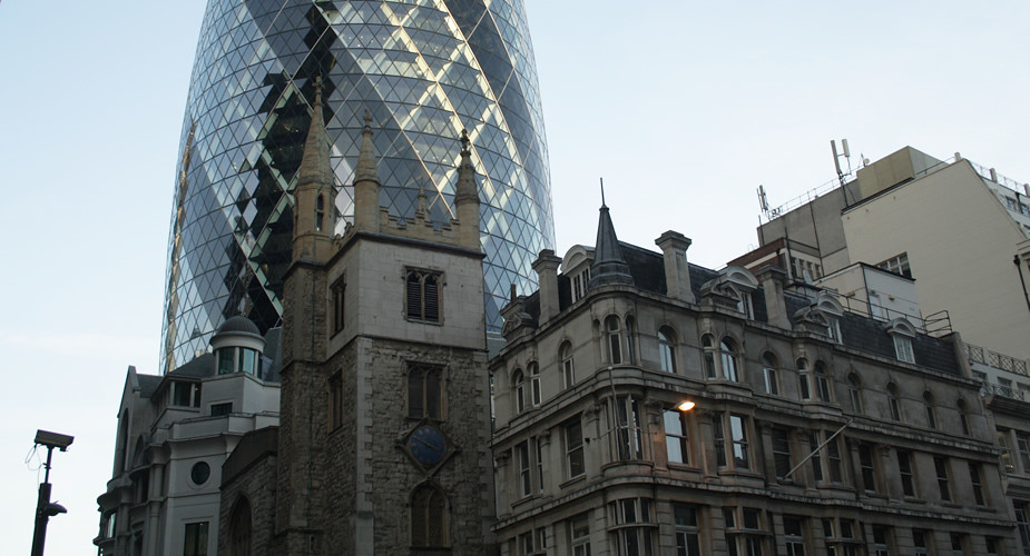 Fietsen in Londen: The Gherkin, The City | Mooistestedentrips.nl