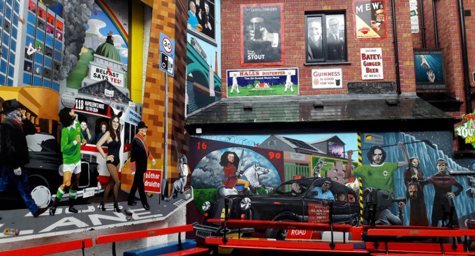 Street art in Belfast in Cathedral Quarter | Mooistestedenrips.nl