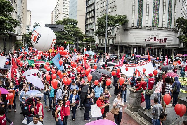 Movimentos mantêm dia de mobilizações em defesa da aposentadoria nesta terça (5)