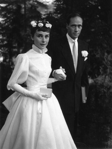 Tendance Robe du mariage 2017/2018 – Audrey Hepburn's wedding dress was a true classic designed by Pierre Balmain…
