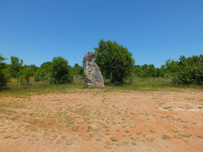 [176-004] Livernon - Menhir de Bélinac