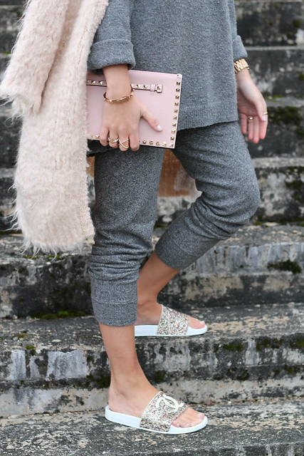 jogging-pants-and-glitter-shoes-details-wiebkembg