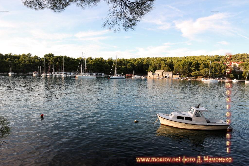 Хвар — остров в Адриатическом море, в южной части Хорватии в этом альбоме фотоработы