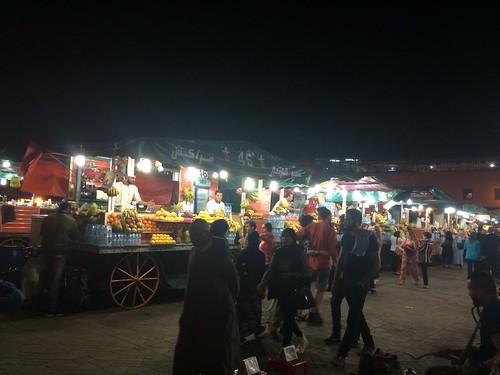 夢に見たフナ広場