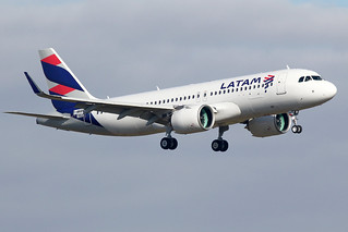 LATAM  AIRLINES / Airbus  A 320 NEO   F-WWBN  msn 7864 / LFBO - TLS / nov 2017