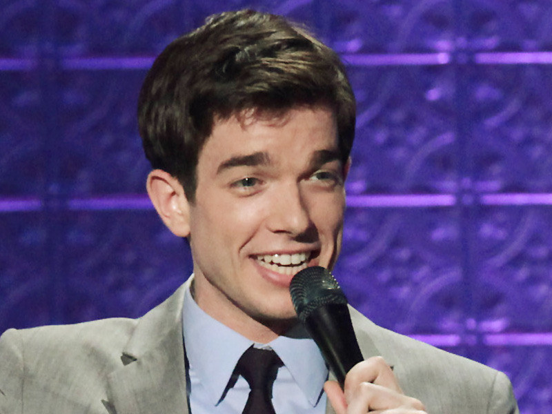 """Kid Gorgeous"" John Mulaney steps out of Wilmington Amtrak and lights up university stage"