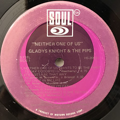 GLADYS KNIGHT & THE PIPS:NEITHER ONE OF US(LABEL SIDE-A)