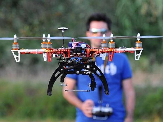 drone-pilota-evidenza