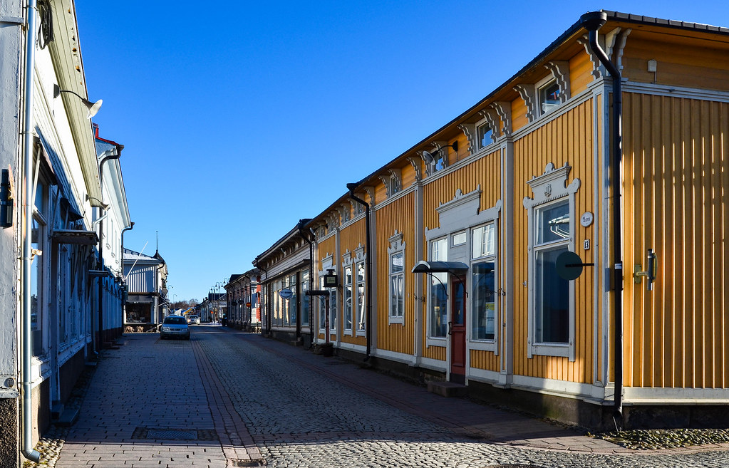 The streets of Old Rauma are heated