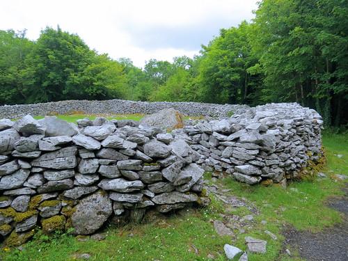 ireland éire eire clare anclár anchláir county cashel fort hillfort stone walls ancient mooghaun moghane