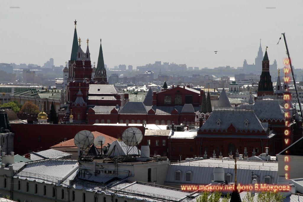 Вид на кремль с детского мира. Парад победы 2015