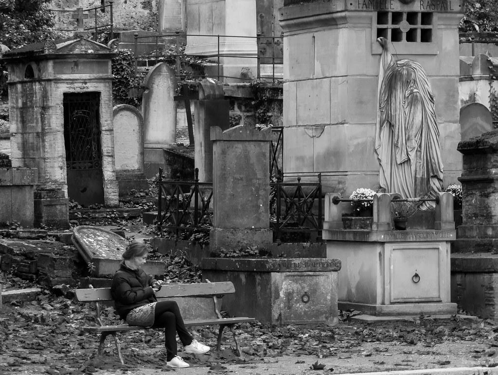 Dans la Cité des morts... 38507689701_bbb7ba8694_b