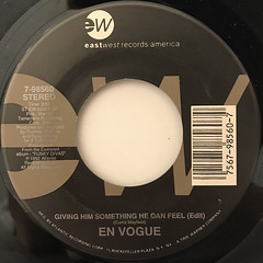 EN VOGUE:GIVING HIM SOMETHING HE CAN FEEL(LABEL SIDE-A)