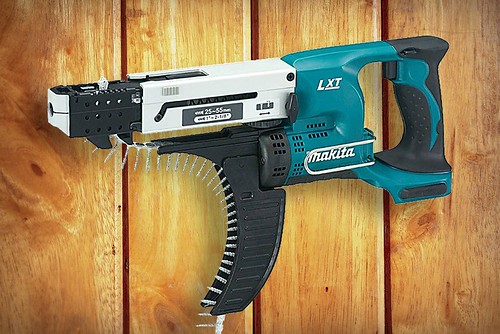 Makita XRF02Z 18V LXT Lithium-Ion Cordless Autofeed Screwdriver Review