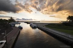 sunset port de st gilles les bains