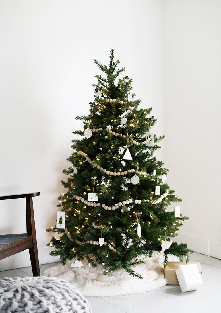 Minimal Christmas Tree Decorations