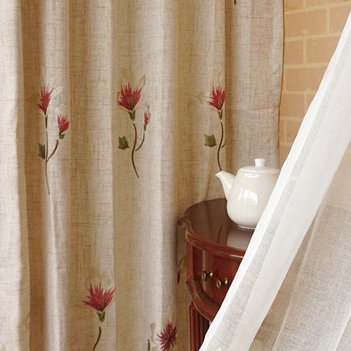 春織百合 盛開花卉 繡花 半遮光無接縫窗簾布 DA2990013