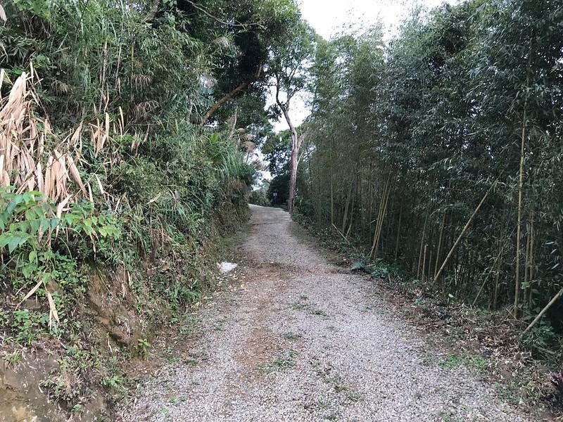 通往營區的道路