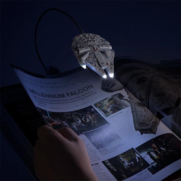 不只是全銀河最速,還能照亮你的知識之路!! ThinkGeek《星際大戰》千年鷹號書夾式閱讀燈 Millennium Falcon Book Light
