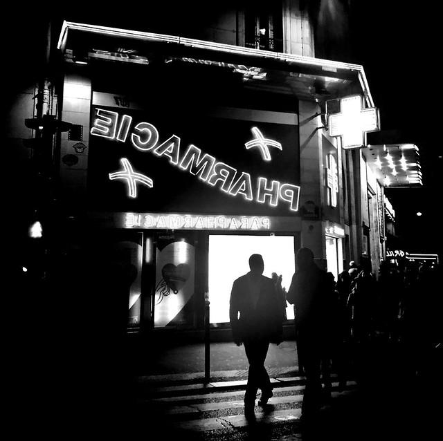 Man In Black ~ Urban Chronicles ~ Paris ~ MjYj©
