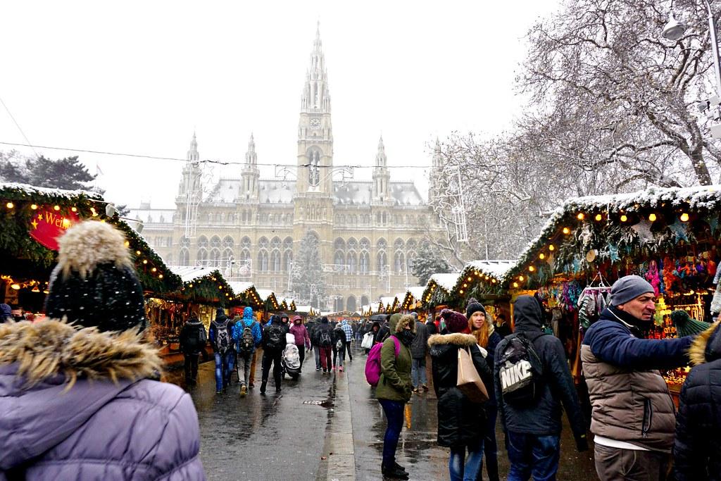 Raatihuoneen joulumarkkinat Wienissä