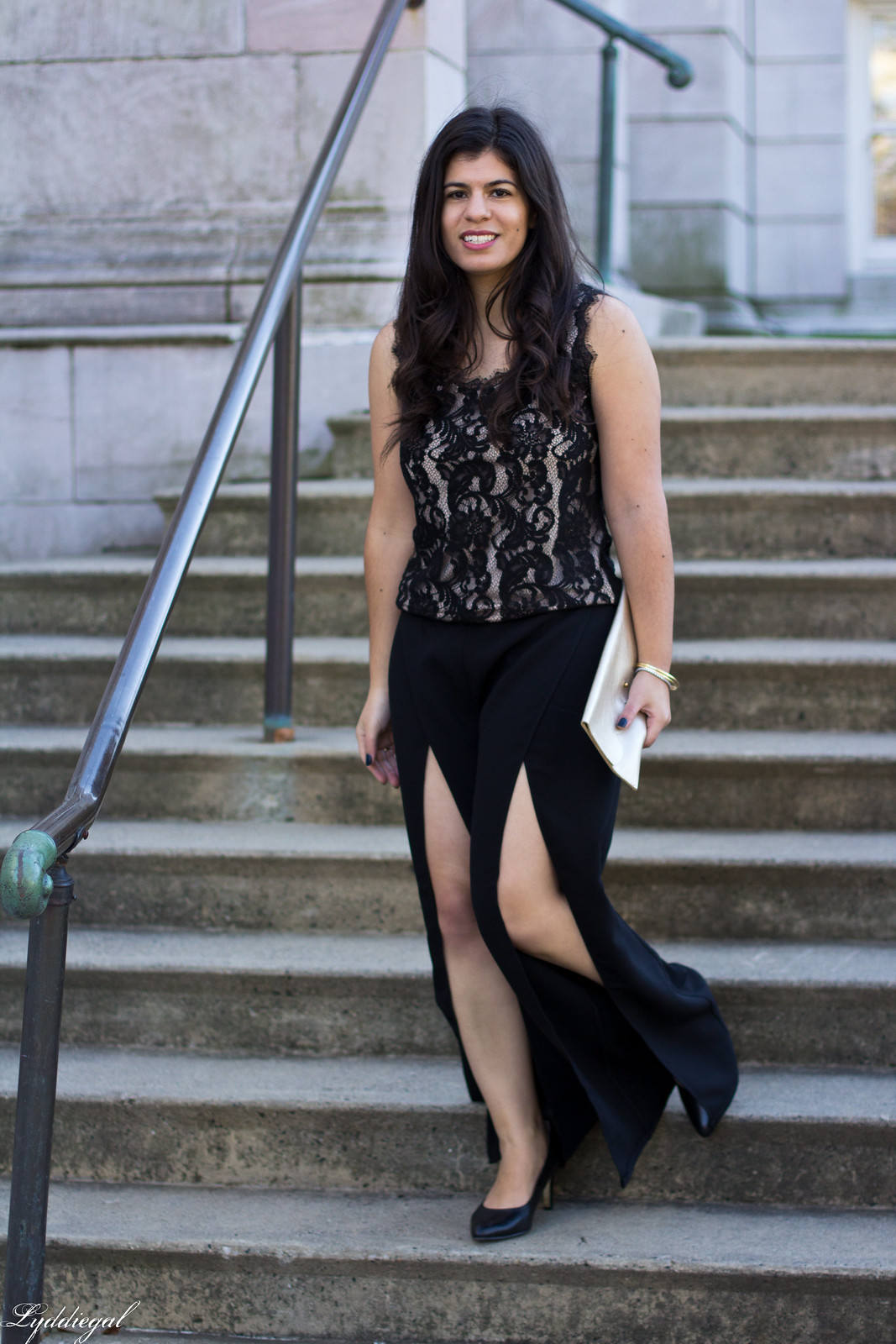 black split leg pants, lace top, scalloped clutch.jpg