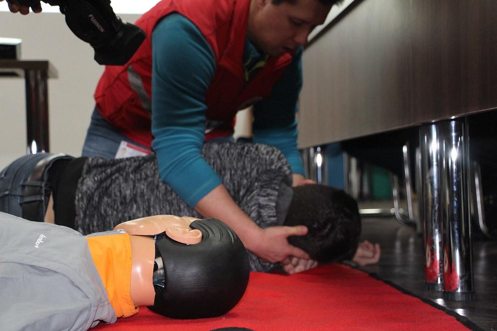 Erste-Hilfe-Kurs des Roten Kreuzes für Freiwillige der bulgarischen Präsidentschaft