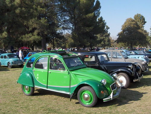 Citroën_2CV_Charleston_in_green