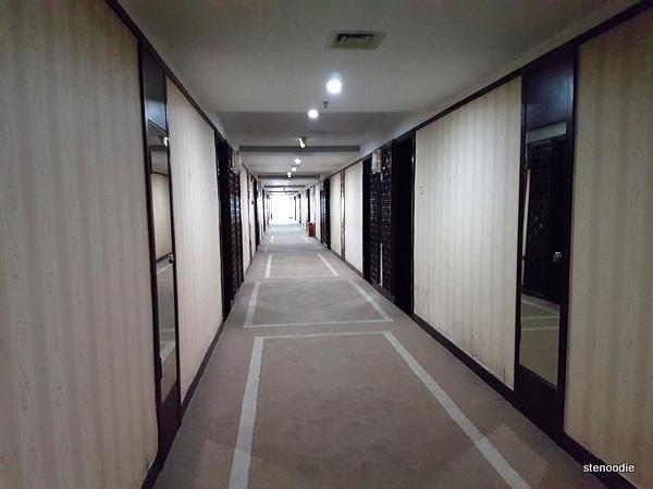 Jingxi International Hotel hallway