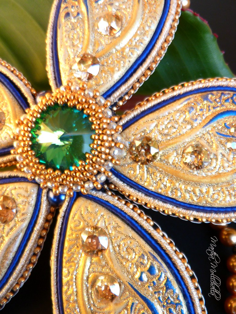 Fiore pendant handmade necklace Swarovski Crystals