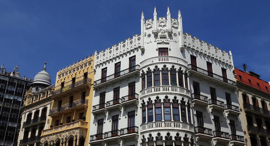 Bezienswaardigheden Valencia: Plaza Ayuntamiento | Mooistestedentrips.nl
