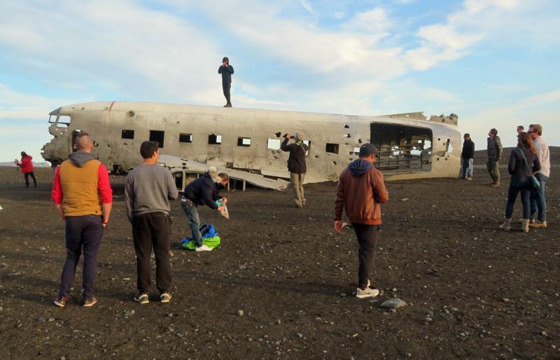 dc3-plane-iceland-beach