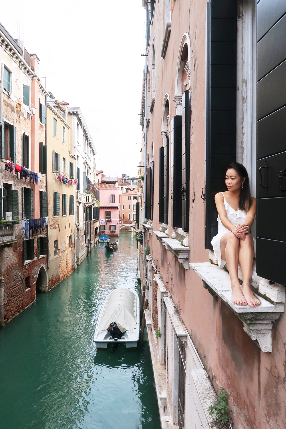 02venice-canal-italy-travel-ootd