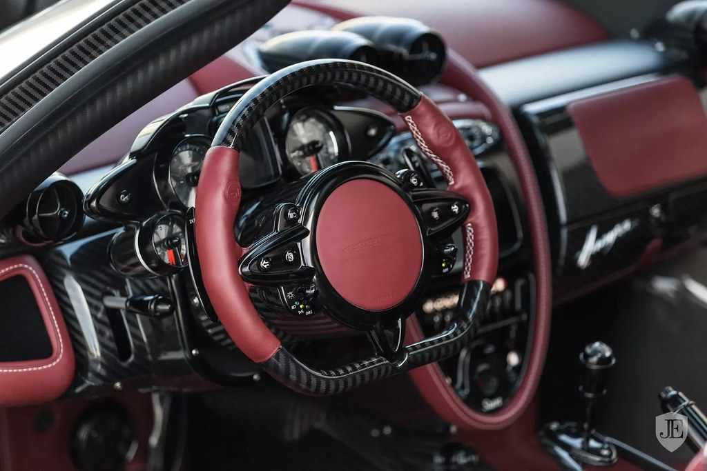 Pagani-Huayra-For-Sale-14