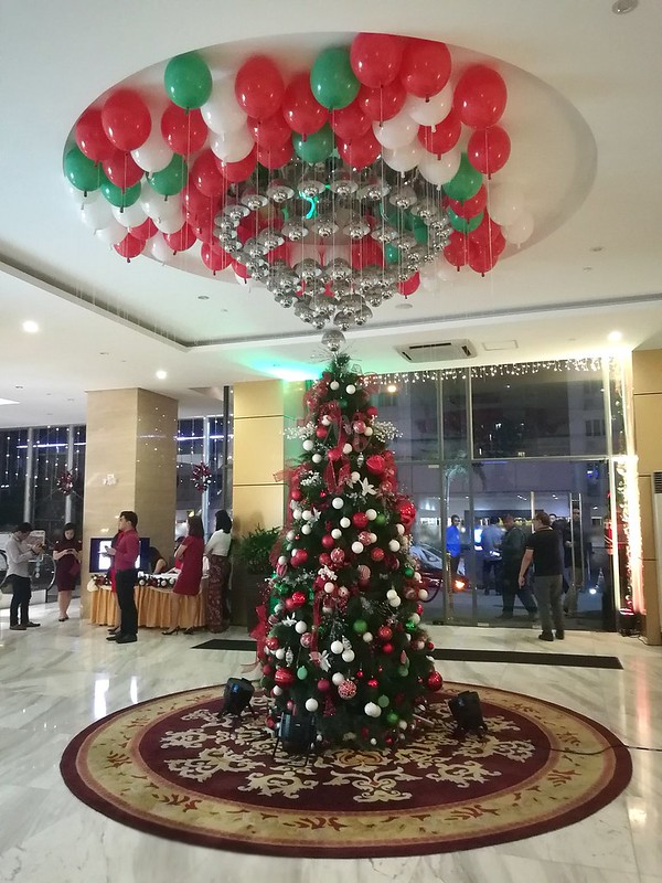 golden-phoenix-hotel-christmas-1