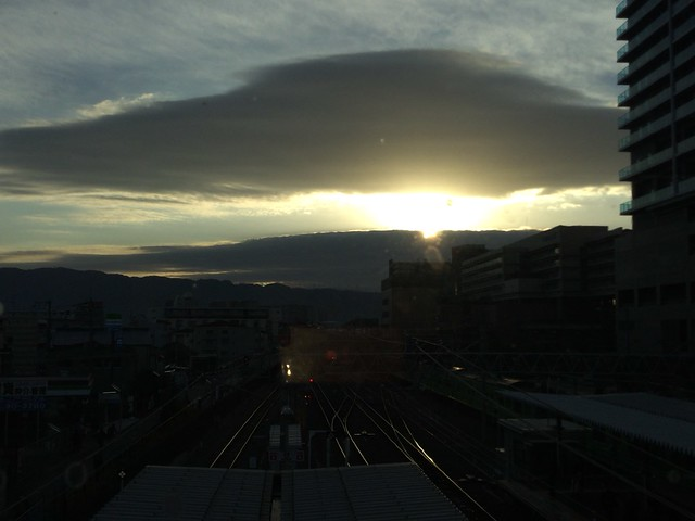 久宝寺駅から見た朝日