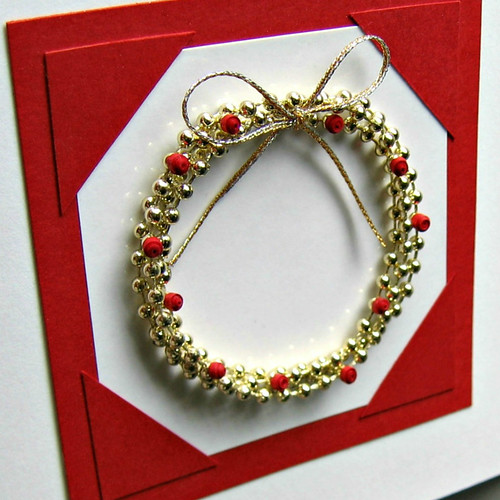 Unique DIY Christmas Card: Dimensional Bead Wreath with Quilled Holly Berries